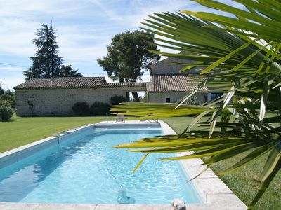 Photo for Self catering holiday rental Luberon Monts Vaucluse
