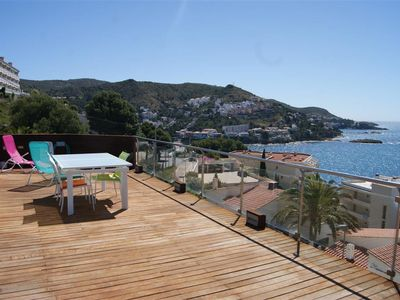 Photo for Apartment 6 people with a large terrace, sea view.