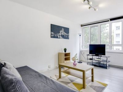 Photo for Bright and airy 2 bed flat in Angel w/balcony