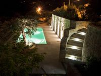 Fantastic view, very private place, perfect for a short stay to discover the environment