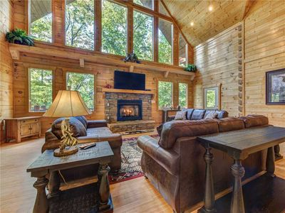 Photo for Unbridled Spirit, 5 Bedrooms, Sleeps 16, Peaceful View, Hot Tub, Pool Table