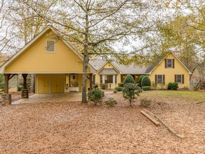 Photo for Family Friendly, Pet Friendly And Wheelchair Friendly!! Lakefront Oconee Home!