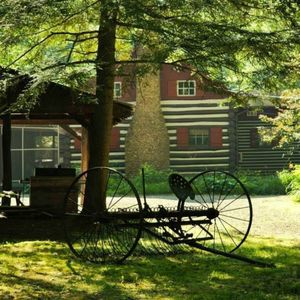River's Edge Cabin- Perfect for Romance/Outdoor Adventures/Relaxation