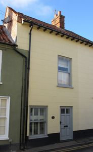 Photo for Cosy Grade 2 Listed Cottage on the historic High Street of Wells-Next-The-Sea