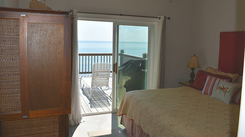 Southern Breeze- Four Bedroom Direct Gulf-front Beach House on the Quiet West En