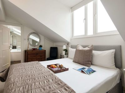 Photo for The Cromwell Road Rooftop Apartment - LSBI
