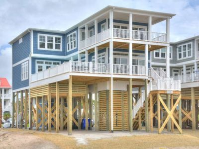 Photo for BRAND NEW, 7 BR/5 BA Oceanfront Home with POOL in Deck & Elevator-Sleeps 26