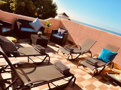 Photo for Villa for 8 with 360' solarium, walking distance beach, free Wifi