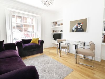 Photo for MOUNT SION, romantic in Royal Tunbridge Wells, Ref 927716