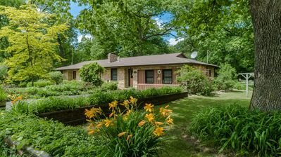 Photo for NEW*OPENING MAY19*WHITE OAKS HAVEN*COZY/FIREPLACE/HOT TUB*S HAVEN/SAUGATUCK