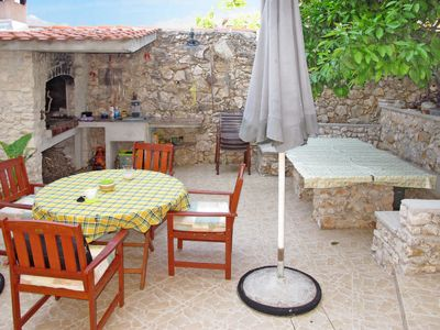 Photo for 2 bedroom Apartment, sleeps 4 in Okrug Donji with Air Con and WiFi