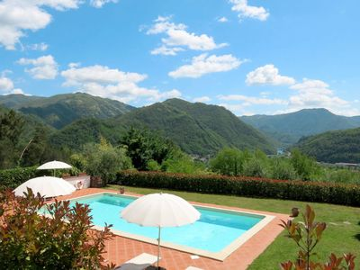 Photo for Apartment Tenuta La Fratta (BLU122) in Bagni di Lucca - 4 persons, 1 bedrooms