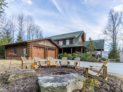 Photo for Diamond Creek - Hot Tub, Pool Table, great views, Fireplace outside!