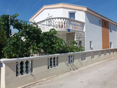 Photo for 1BR Apartment Vacation Rental in Vir, Pag