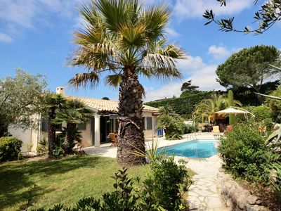 Photo for Near sea and golfs, single storey villa with private pool in Mandelieu