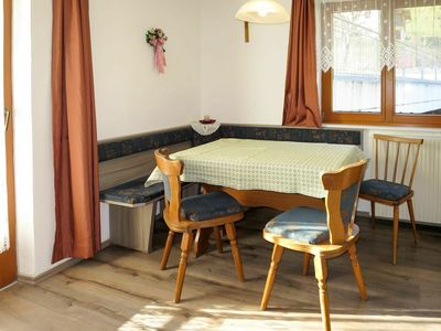 Photo for Cosy apartment for 5 guests with WIFI, TV, balcony, pets allowed and parking