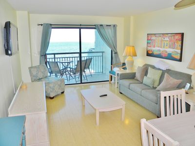 Photo for Spacious, Charming 2BD/ 2BA Oceanfront room at Blue Water Resort
