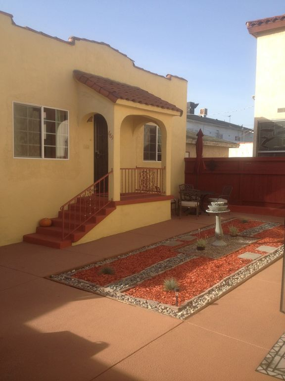 1932 Charming Spanish Guest House