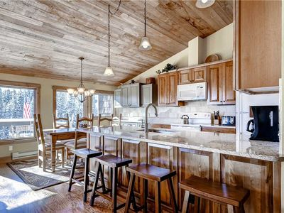 Photo for Perfect mountain getaway, free on-call shuttle, private hot tub!