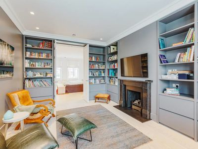 Photo for Spacious 4 Bed House with Garden in Belsize Park