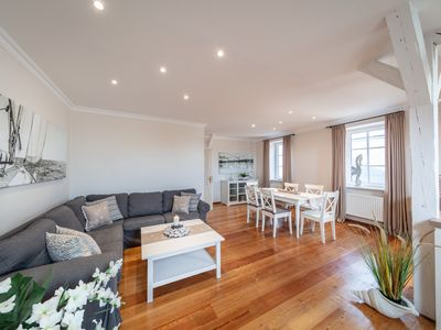 Photo for Stylish Ostseewohnung with island flair and beautiful fenced garden