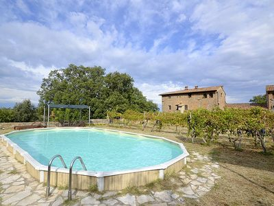 Photo for Casa Scoiattolo B: A cozy and welcoming apartment surrounded by meadows and by green hills, with Free WI-FI.