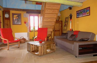 Photo for TYPICAL STONE HOUSE 4 TO 6 PERS SWIMMING POOL AND JACUZZI, NEAR CAHORS AND MONTCUQ