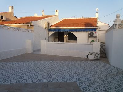 Photo for Bungalow with terrace and private space for the car