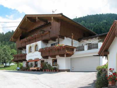 Photo for Apartment Landhaus Heim (ZAZ305) in Zell am Ziller - 4 persons, 2 bedrooms