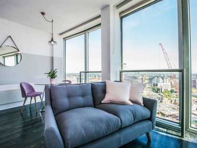 Photo for Modern design studio apartment with amazing skyline views of Birmingham city centre