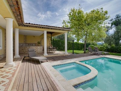 Photo for Beautiful private villa for 6 guests with hot tub, private pool, A/C, WIFI, TV, balcony and park...