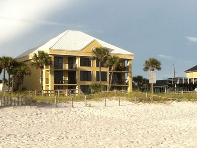 Photo for Beach front condo-Park at your door & enjoy the beach!! Centrally located!