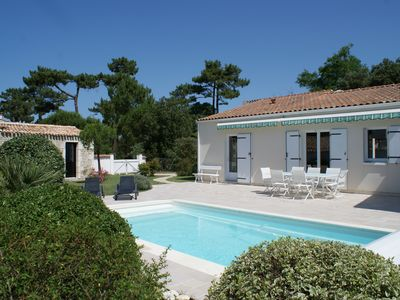 Photo for Ile d'Oleron - Nice Villa with swimming pool in a charming location near the forest and the beach -