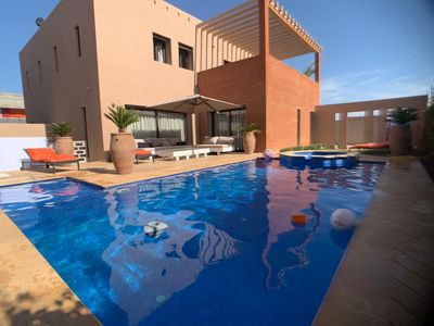 Photo for contemporary villa jacuzzi and private heated pool