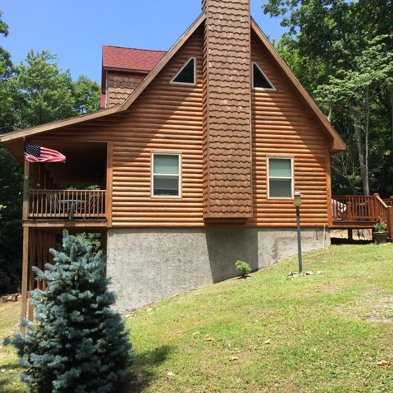Beautiful cabin close to blowing rock and b homeaway for Rental cabins in boone nc