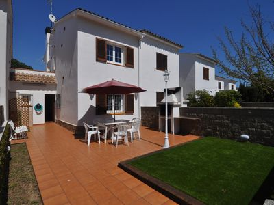 Photo for RAUL: HOUSE 500 METERS FROM THE BEACH WITH COMMUNITY SWIMMING POOL.