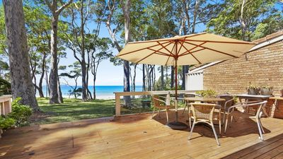 Photo for Graydon Avenue Luxury on the Beach at Denhams