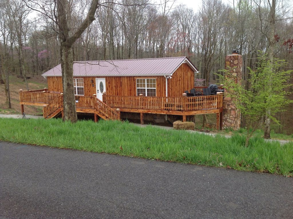 Incroyable Property Image#2 Cedar Cabin Three Miles From Historic Jack Daniels  Distillery