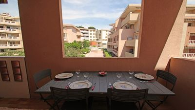 Photo for Apartment T2 - Air conditioning - Downtown and beach walk - Sainte-Maxime