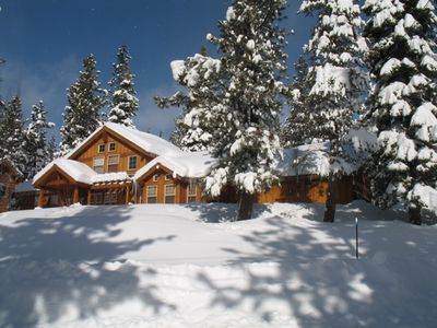 In Winter get ready for superb alpine and nordic sports, all extremely close by