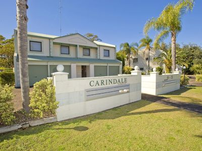 Photo for 2 'Carindale', 19-23 Dowling Street - pool, tennis court, close to town