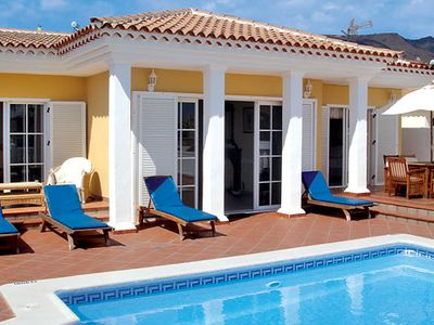 Photo for Attractive villa in walking distance to popular resort centre & fantastic sandy beaches