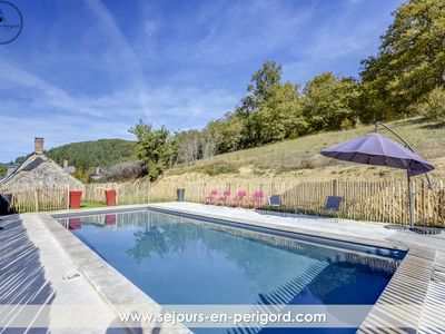 Photo for Charming family home with pool in the heart of Perigord - 100% private