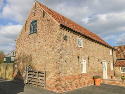 Photo for THE BARN, pet friendly, with open fire in North Kelsey, Ref 1007420