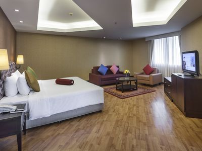 Photo for One Bedroom Grand Suite Apartment in the city center (G43)