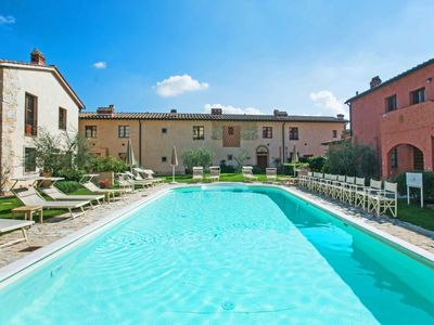 Photo for Apartment La Chicca in San Gimignano - 3 persons, 1 bedrooms