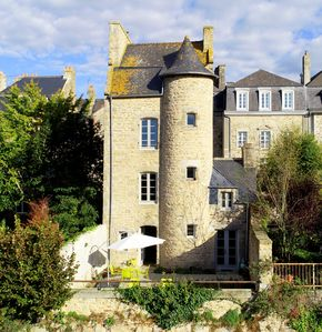 Photo for Secluded and luxurious detached house on Dinan ramparts