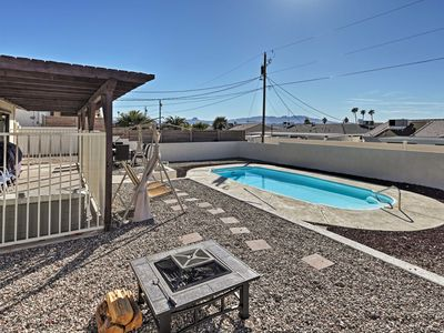 Photo for Remodeled House w/ Pool - Mins to Lake Havasu!