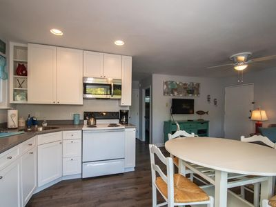Photo for 2 Bed Condo Downtown Rehoboth Beach