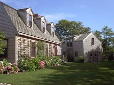 Charming Nantucket Home minutes to Town